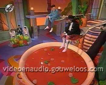 Rons Honeymoon Quiz (199212xx) 02.jpg