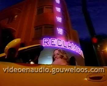 V8 - Cabrio voor Neon Reclame Leader (2002).jpg