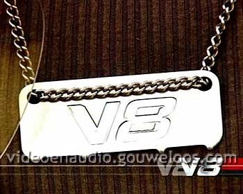V8Leader02.jpg