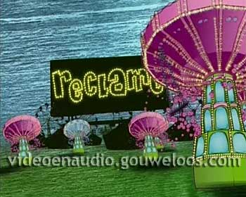 Nickelodeon - Reclame Leader - Zweefmolen (2) (2006).jpg