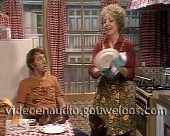 Zeg ns Aaa... (19820111) - Afl 011 - Gert-Jan Tijdelijk in de Flat van Hans 01.jpg