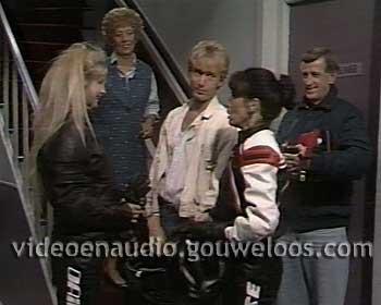 Zeg ns Aaa... (19861117) - Hans Koopt een Motor, Gert-Jan Heeft een Nieuwe Vriendin.jpg