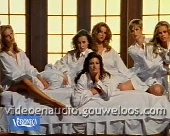 Veronica - Pyjama Dames Leader (199x).jpg