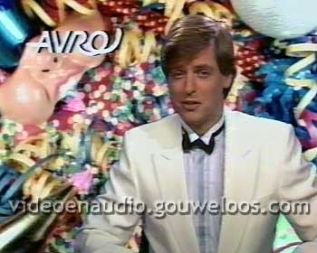 AVRO - Hans van der Togt in Feestdecor (19841231).jpg