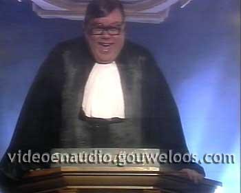 Paul de Leeuw Kerstshow - Kerstmis Voor Niet-Gelovigen (19941224) 02.jpg