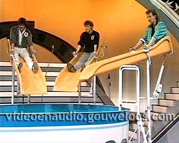 Showbizzquiz (19851209) (1) (24 min) 02.jpg