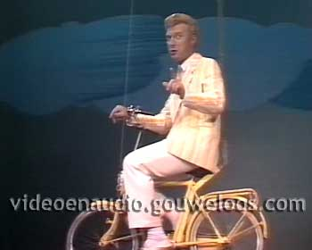 Twintig Jaar Andre - Andres Jubileumrevue (19861018) - Een Reis om de Wereld in 180 Minuten 01.jpg