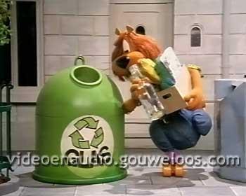 Loeki - Afvalbakken op Rolschaatsen Intro (1995).jpg