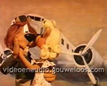 Loeki - Dansen voor Oude Vliegtuigen Intro (1994).jpg